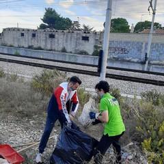 Volontari di Puliamo Terlizzi in azione
