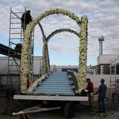 Allestimento carro floreale Madonna del Rosario JPG