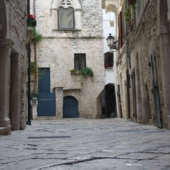 Sistemazione basolato borgo medievale JPG
