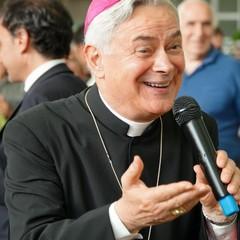 Visita pastorale del vescovo Cornacchia al Mercato dei fiori e Ortofrutticolo