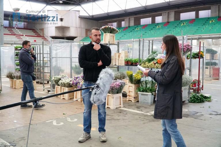 Il Tg3 Puglia al mercato dei fiori. <span>Foto Comune di Terlizzi</span>
