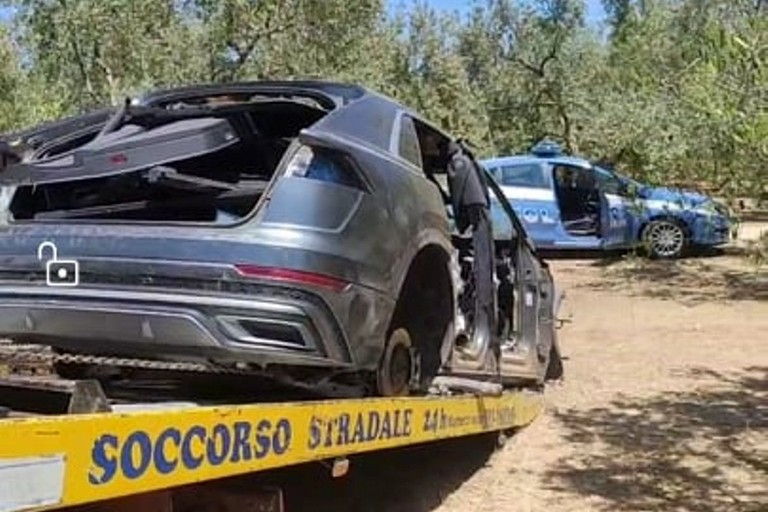 L'Audi Q8 ritrovata dalla Polizia di Stato