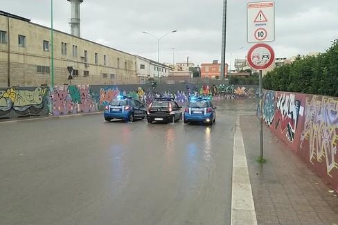 Polizia e Vigili chiudono sottopasso viale dei Liulium