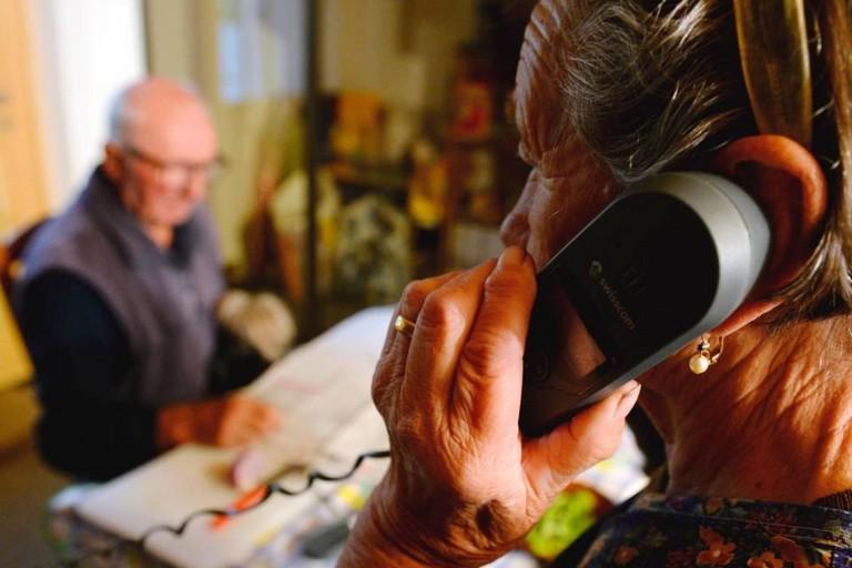 Sostegno telefonico ad anziani
