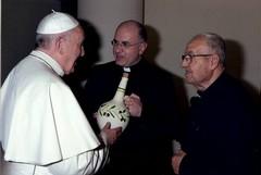 Don Michele Fiore e don Roberto De Bartolo a colloquio col Papa