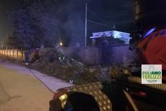 A fuoco sterpaglie e rifiuti nei pressi della stazione di Sovereto