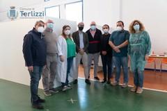 Sanguedolce in visita al Punto Vaccinale di Terlizzi. E si complimenta col Sindaco