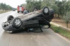 Auto sbanda e si ribalta, un ferito sulla provinciale 107