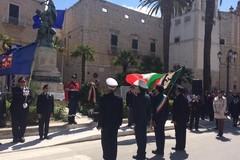 Festa 25 aprile, l'omaggio delle autorità ai caduti - FOTO