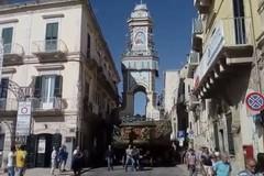 Il Carro Trionfale spostato nei pressi di Palazzo di Città (VIDEO)