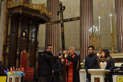 Stasera Via Crucis con il vescovo Cornacchia