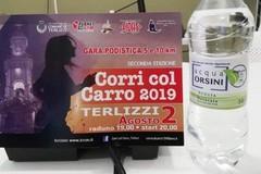 """Corri col Carro si ispira alla campagna """"plastic free"""" nella scelta della bottiglia"""