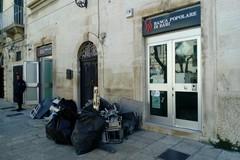 """""""Marmotta esplosiva"""": salta il bancomat della Banca Popolare di Bari"""