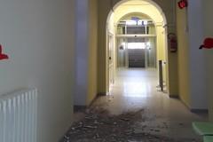 """Cadono calcinacci dal soffitto all'interno dell' Ospedale """"M.Sarcone"""". Le FOTO"""