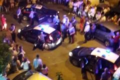 Schiaffi e pugni al barista davanti ai bambini: confermato l'arresto dei due albanesi