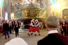 Il Carro sfila per le vie di Terlizzi: è la Festa Maggiore