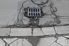 Via Bovio e i problemi sopra e sotto il manto stradale