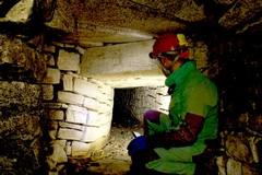 ESCLUSIVO / Ecco il cunicolo sotterraneo che parte da Largo Lago Dentro