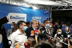 Emiliano fa già festa: «Straordinaria prova di democrazia». E si complimenta con Fitto