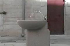 Largo Cirillo, la storia della fontana guasta da mesi