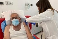 Gero Grassi vaccinato contro il Covid: «Non ho tolto il posto a nessuno»