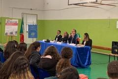 Roberto Menia con Ninni Gemmato nelle scuole per il Giorno del Ricordo