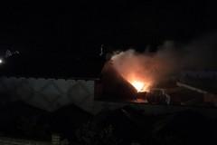 A fuoco edificio in Via Vecchia Sovereto LE FOTO