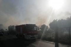 Incendio in zona Chicoli: intervengono i Vigili del Fuoco