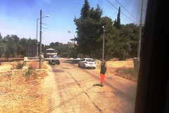 Treno fermo a Terlizzi: c'è un'auto sulla via di fuga