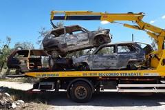 Rinvenute nell'agro di Terlizzi tre auto rubate e date alle fiamme (FOTO)