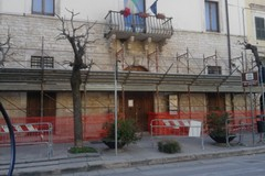 Il palazzo-pinacoteca perde intonaco, via alla messa in sicurezza