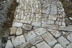 Salva la pavimentazione seicentesca in largo Savoia. A breve la ripresa dei lavori
