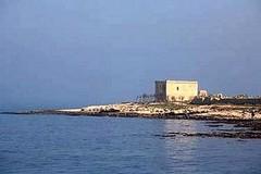 Vietato il mare alla spiaggia libera di Torre di Gavetone