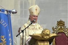 Solenne Pontificale, Mons. Cornacchia: «Terlizzi sia come una serra di fiori»