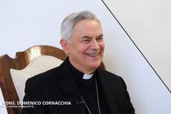 """Il vescovo Cornacchia questa mattina in visita alla scuola """"don Pappagallo"""""""