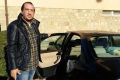 Vive in auto da una settimana, la storia di Pietro un terlizzese a Grosseto