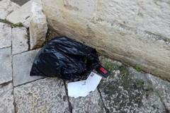 Lettere d'amore tra i rifiuti