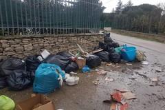 Abbandono di rifiuti, la denuncia dei residenti di Pozzo Schettini