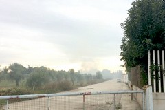 Ancora roghi e fumi in campagna, vigili e carabinieri sul posto