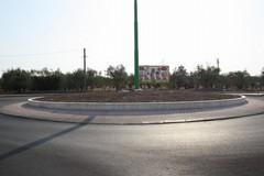Un'insegna gigante nei pressi del rondò di via Mariotto