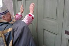 Mons. Cornacchia a Terlizzi apre la Porta Santa