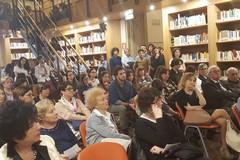"Grande affluenza in biblioteca per la ""lezione"" del prof. Totaro. Foto"