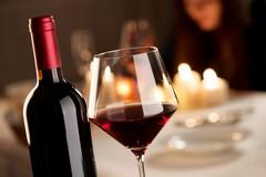 Coldiretti, cresce il consumo di vino: a Bari la pigiatura con i bambini