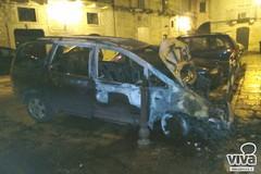 Incendi, atto contemporaneo. A fuoco due Volkswagen Sharan