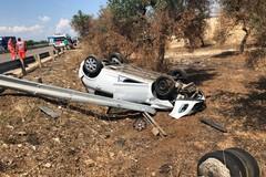 Spaventoso incidente sulla 231: auto travolta da un autocarro