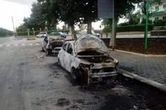 Fiamme nella notte: incendiate tre auto in via Millico