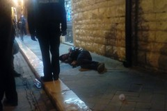 ULTIM'ORA - Uomo a terra in corso Vittorio Emanuele