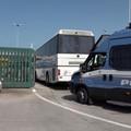 Arrivati 340 migranti al Cara di Palese: è polemica furibonda