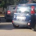 L'auto parcheggiata ha qualcosa che non va: era stata rubata