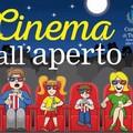 Il parco comunale si trasforma in un cinema all'aperto per ragazzi